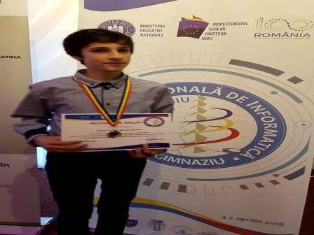 Mircea Roată-Palade, câştigătorul Medaliei de argint la Olimpiada Naţională de Informatică – Gimnaziu